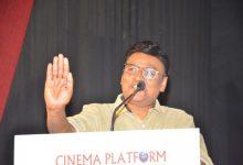 Photo of எம் ஜி ஆரின் யுக்தி; மேடையில் போட்டுடைத்த பாக்யராஜ்!