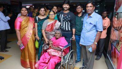 Photo of அபி சரவணனுடன் 'மாயநதி' படம் பார்த்த பரவை முனியம்மா!