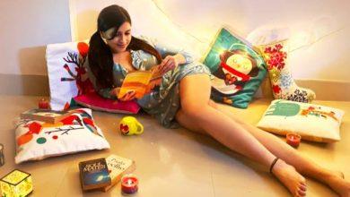 Photo of Actress Mannara Chopra Hot Gallery