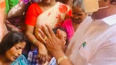 Photo of கடலில் மூழ்கி உயிரிழந்தவர்களுக்காக கண்ணீர் வடித்த அமைச்சர்!!
