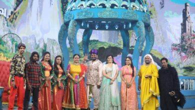 Photo of Varalaxmi Sarathkumar narrates her fun escapades with Colors Tamil's new spoof comedy Kanni Theevu Ullasa Ullagam 2.0!!