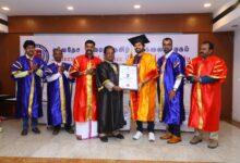 Photo of கௌரவ டாக்டர் பட்டம் பெற்றார் நடிகர் விஜய் விஸ்வா!!